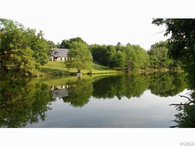 Single Family Home For Sale: 94-95 Lime Kiln Road