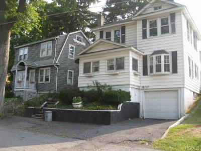 Single Family Home Sold: 9 Underhill Place
