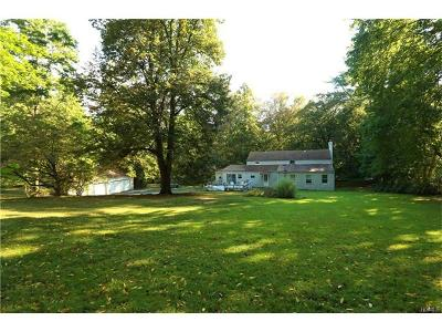 Single Family Home For Sale: 339 Strawtown Road
