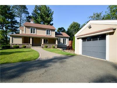 Suffern Single Family Home For Sale: 4 Arrowhead Lane
