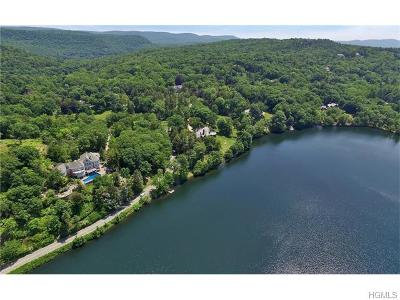 Tuxedo Park Single Family Home For Sale: 156 West Tower Hill Road