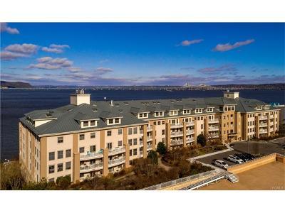 Piermont Condo/Townhouse For Sale: 300 Harbor Cove