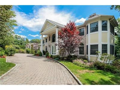 Eastchester Single Family Home For Sale: 124 North Lakeshore Drive