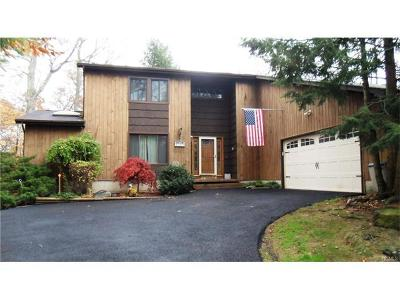 Brewster Single Family Home For Sale: 100 Maple Wood Drive