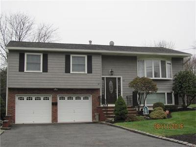 Single Family Home For Sale: 41 Mark Lane