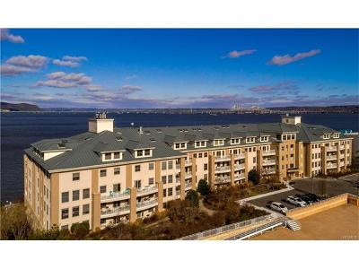 Piermont Condo/Townhouse For Sale: 200 Harbor Cove