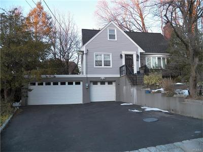 Scarsdale Single Family Home For Sale: 58 Parkway Circle