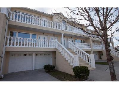 Multi Family 2-4 For Sale: 258 Zerega Avenue