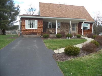 Goshen Single Family Home For Sale: 6 Beechwood Drive