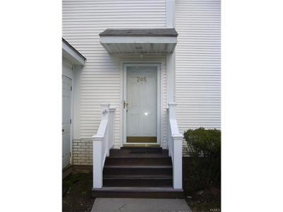 White Plains Condo/Townhouse For Sale: 355 Old Tarrytown Road #208
