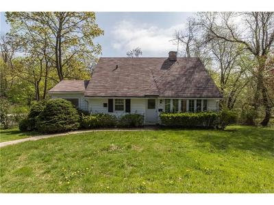 White Plains Single Family Home For Sale: 164 North Hampton Drive