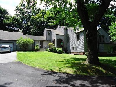 White Plains Single Family Home For Sale: 27 Twin Pond Lane