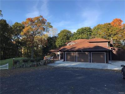 Marlboro Single Family Home For Sale: 18 Camelot