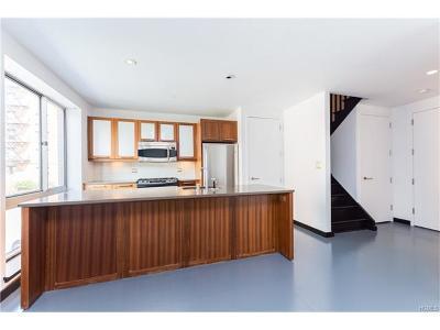 Bronx Condo/Townhouse For Sale: 3585 Greystone Avenue #E4E/E3E