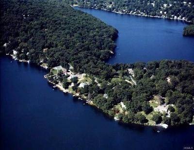 Mahopac Single Family Home For Sale: 188 West Lake Boulevard