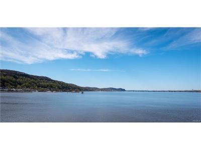 Piermont Condo/Townhouse For Sale: 214 Harbor Cove #214