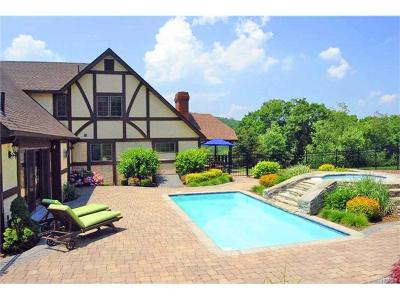Warwick Single Family Home For Sale: 55 Cascade Road