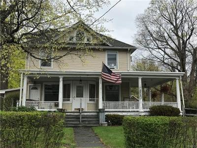 Monroe Single Family Home For Sale: 19 Charlton Place