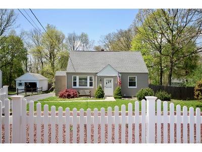 Single Family Home For Sale: 19 Caravella Lane