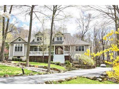 Nyack Single Family Home For Sale: 7 Sugarhill Road