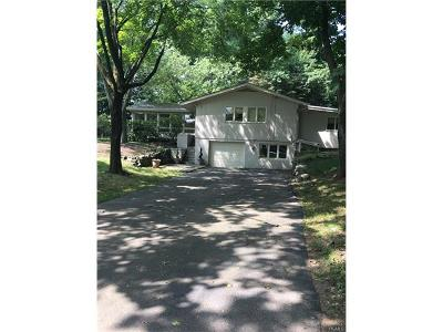 Suffern Single Family Home For Sale: 2 Heights Road