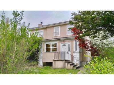 Nyack Single Family Home For Sale: 235 Birchwood Avenue