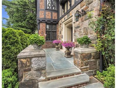 Bronxville Single Family Home For Sale: 9 Hilltop Road