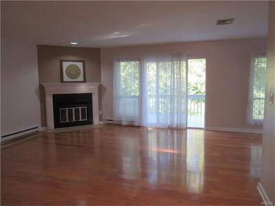 Yorktown Heights Condo/Townhouse For Sale: 12 Woods Brooke Lane #1