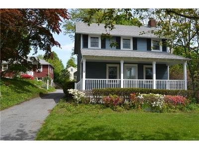 Multi Family 2-4 For Sale: 2 East Drive