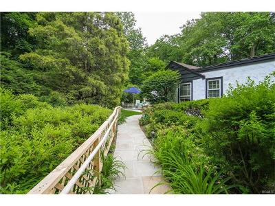 Westchester County Single Family Home For Sale: 177 Hillair Circle
