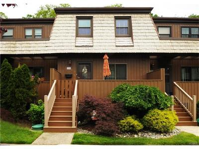 Condo/Townhouse Sold: 39 Heritage Drive #D