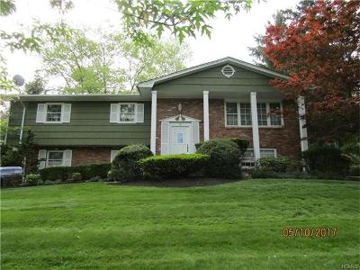 Tappan Single Family Home For Sale: 92 Hardwood Drive