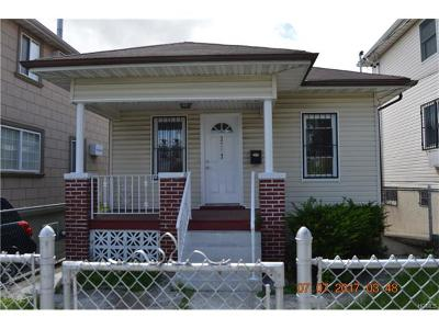 Bronx Single Family Home For Sale: 3917 Rombouts Avenue