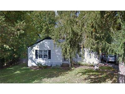 White Plains Single Family Home For Sale: 70 Gibson Avenue