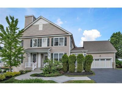 Single Family Home For Sale: 19 Pinehurst Circle