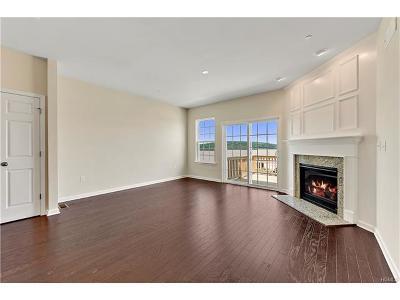 Carmel Condo/Townhouse For Sale: 5 Carpenter Court #3203