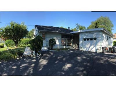 White Plains Single Family Home For Sale: 362 County Center Road