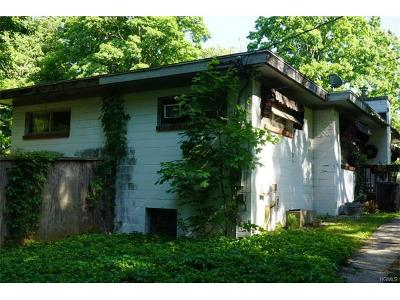 Single Family Home For Sale: 17 San Souci Drive