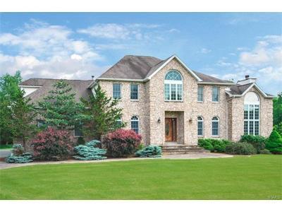 Warwick Single Family Home For Sale: 19 Jonathan Court