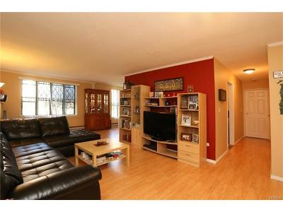 Valley Cottage Condo/Townhouse For Sale: 432 Sierra Vista Lane #432