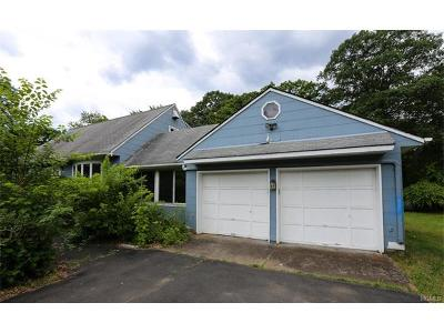 Single Family Home Sold: 12 Parkway Drive