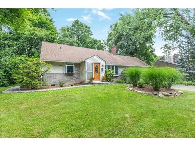 White Plains Single Family Home For Sale: 955 Knollwood Road