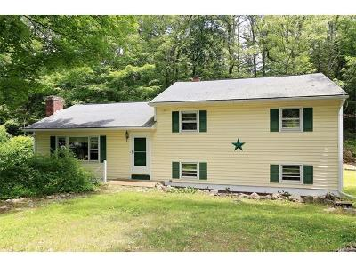 Putnam County Single Family Home For Sale: 76 Hy Vue Terrace