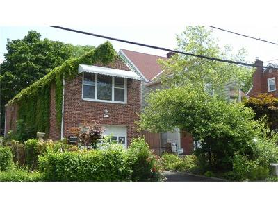 White Plains Single Family Home For Sale: 32 Independence Street