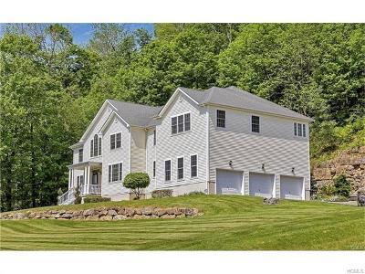 Goshen Single Family Home For Sale: 7 Chestnut Lane