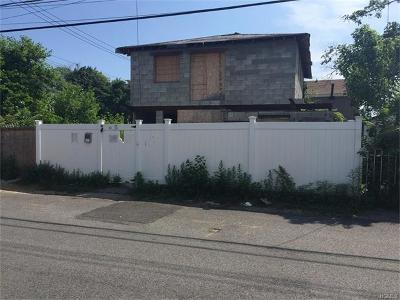 Bronx Single Family Home For Sale: 1621 Harding Park Avenue