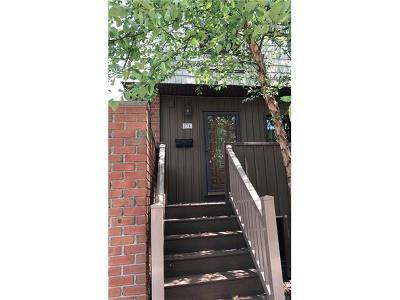 Condo/Townhouse Sold: 27 Heritage Drive #E