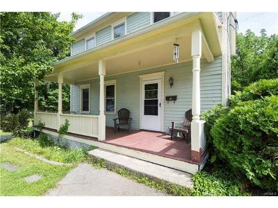 Warwick Single Family Home For Sale: 18 Wheeler Avenue