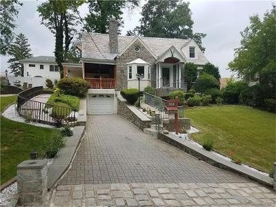 Yonkers Single Family Home For Sale: 357 Grandview Boulevard