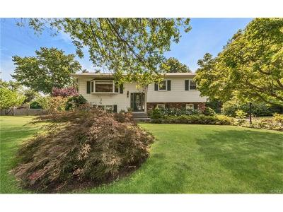Single Family Home For Sale: 30 Freund Drive